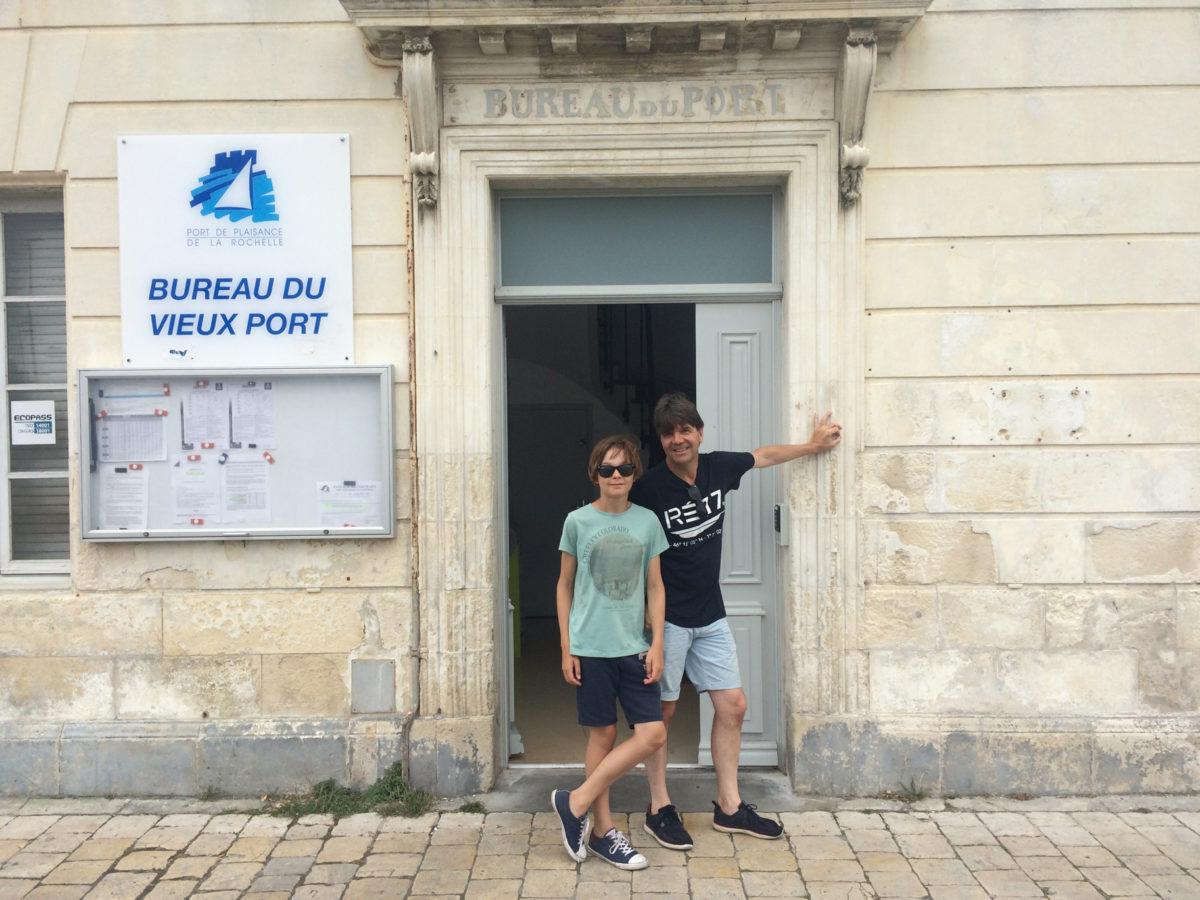 Het havenkantoor van de Vieux Port